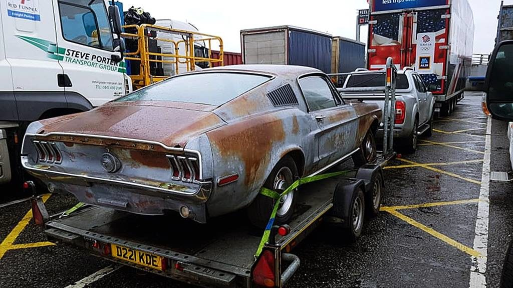 '68 Mustang mit original Besitzer gekauft Urne des Vorbesitzers