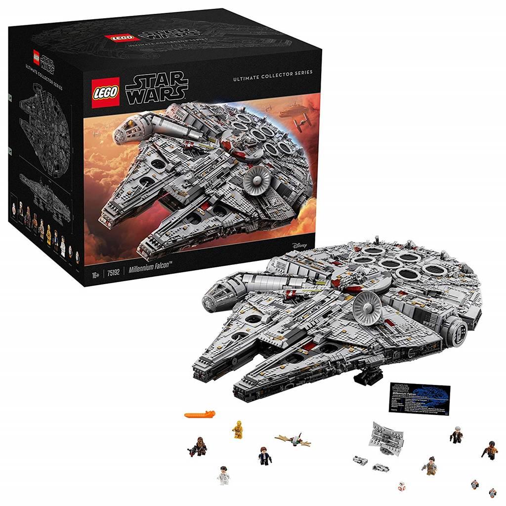 Der Lego Millennium Falke mit diversem Zubehör und Figuren