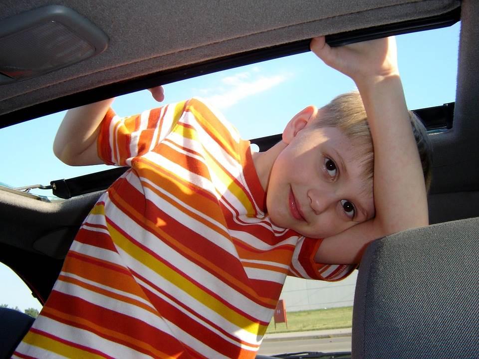 stressfreie autofahrt mit kindern genießen entspannt mit dem auto in den urlaub