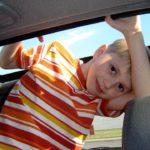 Stressfreie Autofahrt mit Kindern – 10 Tipps für mehr Frieden im Auto