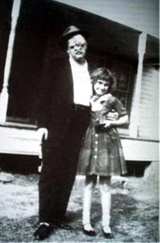 Bill mit einem Mädchen