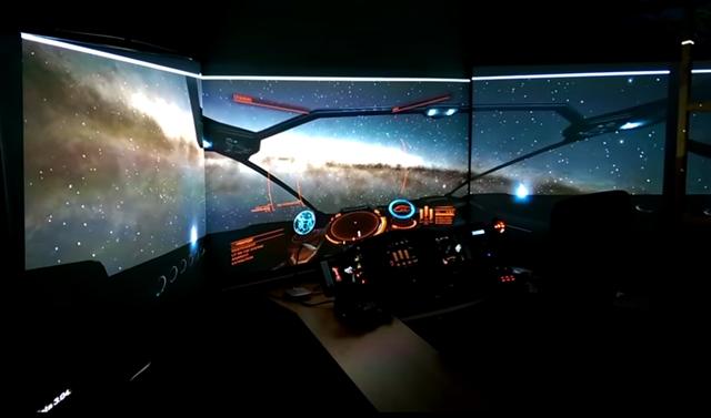 Vom-Wohnzimmer-ins-Weltall-Deutscher-Baut-Eigenes-Raumschiff-Cockpitt